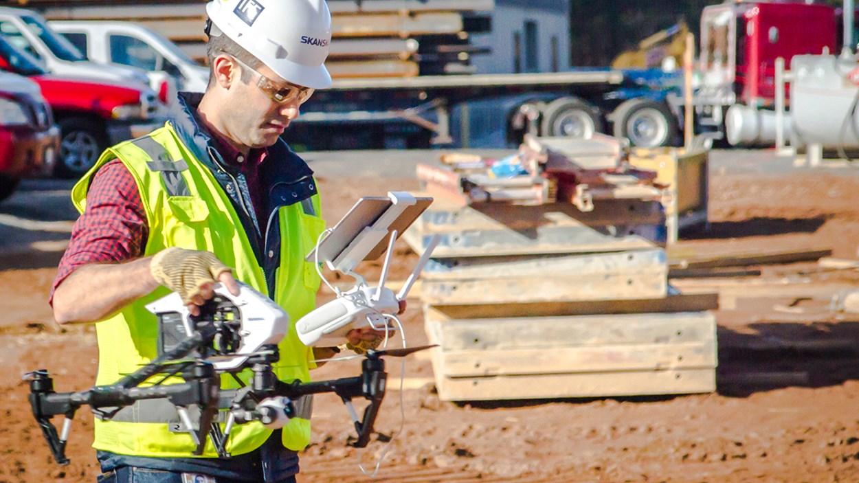 new-grad-operates-drone-on-skanska-jobsite