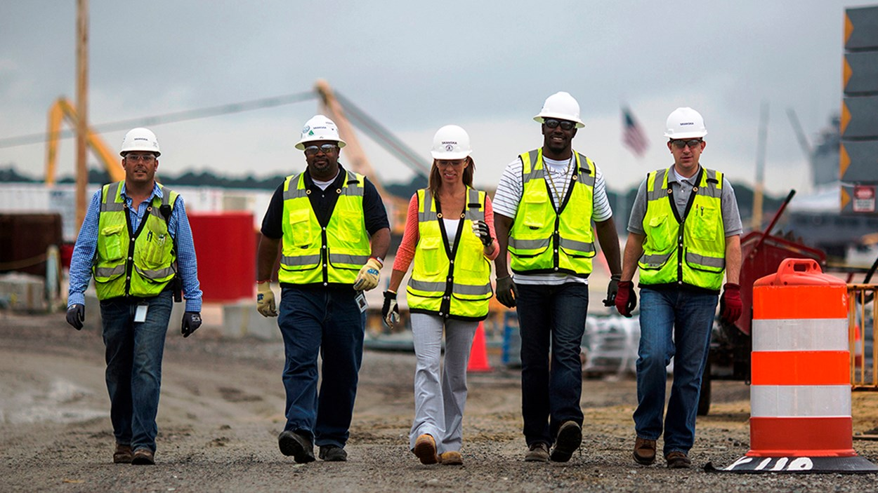 craft-employees-walk-the-jobsite
