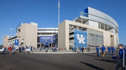 The University of Kentucky wanted to generate more fan excitement for their Wildcats football team. Skanska, with joint venture partner Congleton-Hacker, renovated and expanded the existing Commonwealth Stadium to include premium spaces to increase fan attendance and help with recruiting.