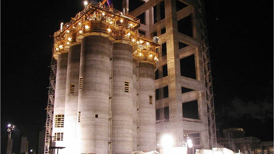 Raw Meal Silos