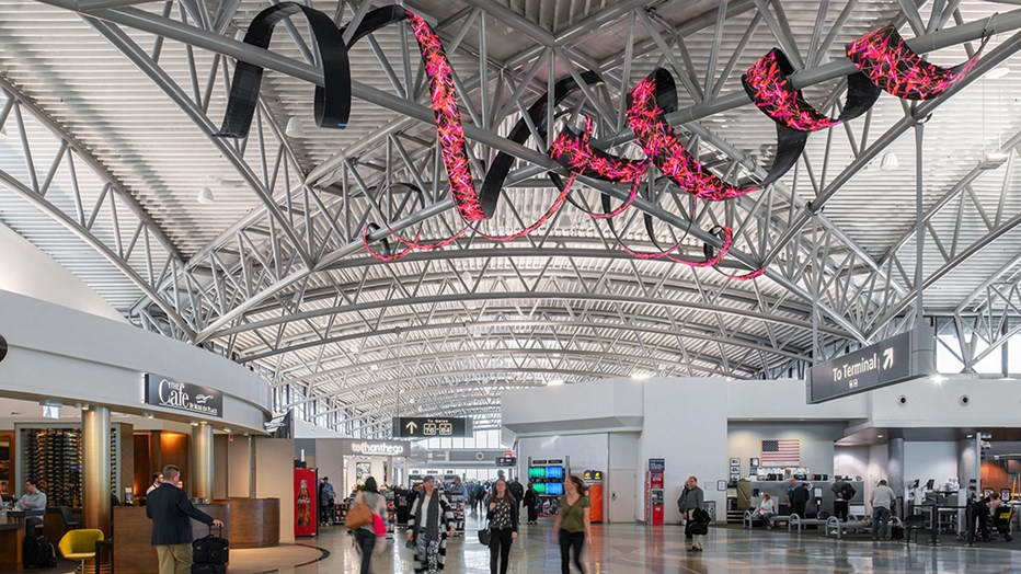 Tampa International Airport needed a transfer level expansion and redevelopment of the Main Terminal and Airsides A,C,E and F to accommodate the airport's rapid growth. Skanska's integral role was to guide the design and manage the very precise, phased construction of this complex project. (Photo credit: Seamus Payne)