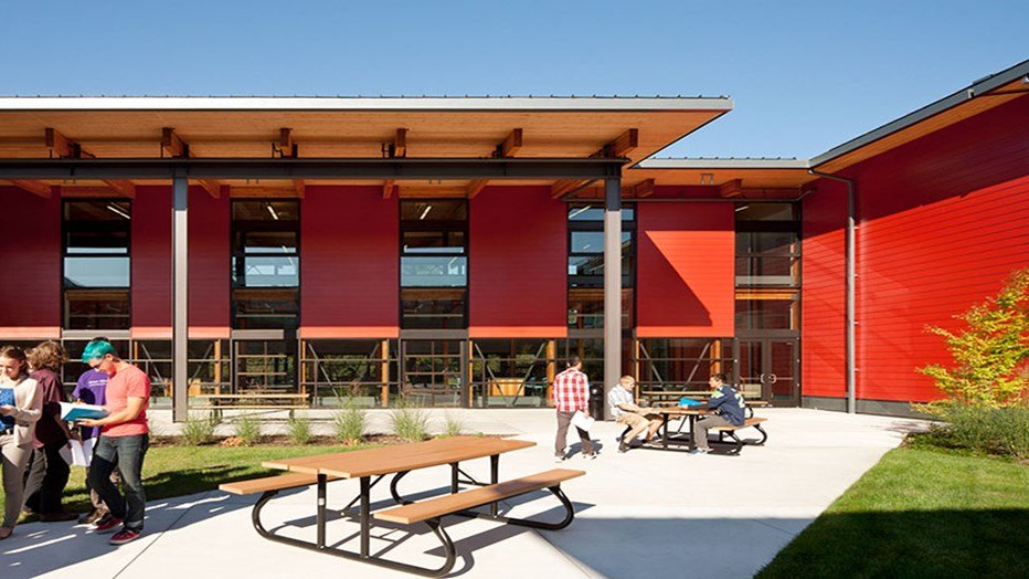 Skanska partnered with the Vashon Island School District to deliver a more efficient campus plan, improved learning environments with more daylighting, more efficient building systems and architecture fitting the community's personality.